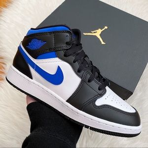 Air Jordan 1 Mid Women's Sneakers